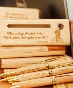 Khắc laser lên bút gỗ theo yêu cầu tại Laserbinhthuan