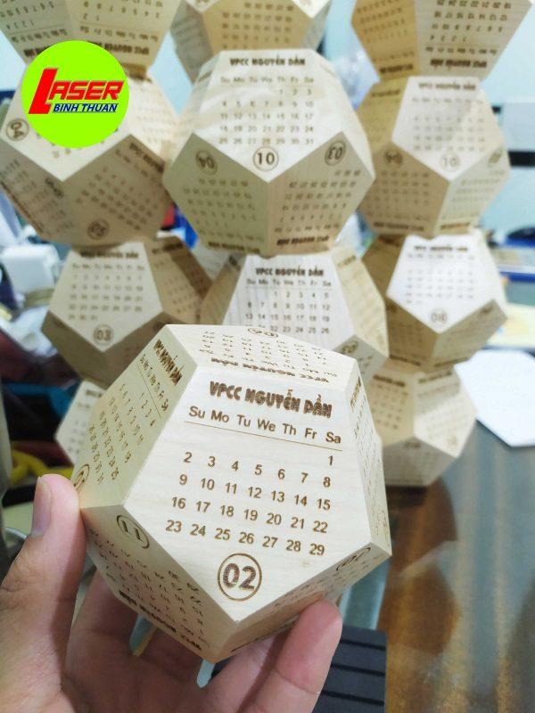 lịch gỗ 2020